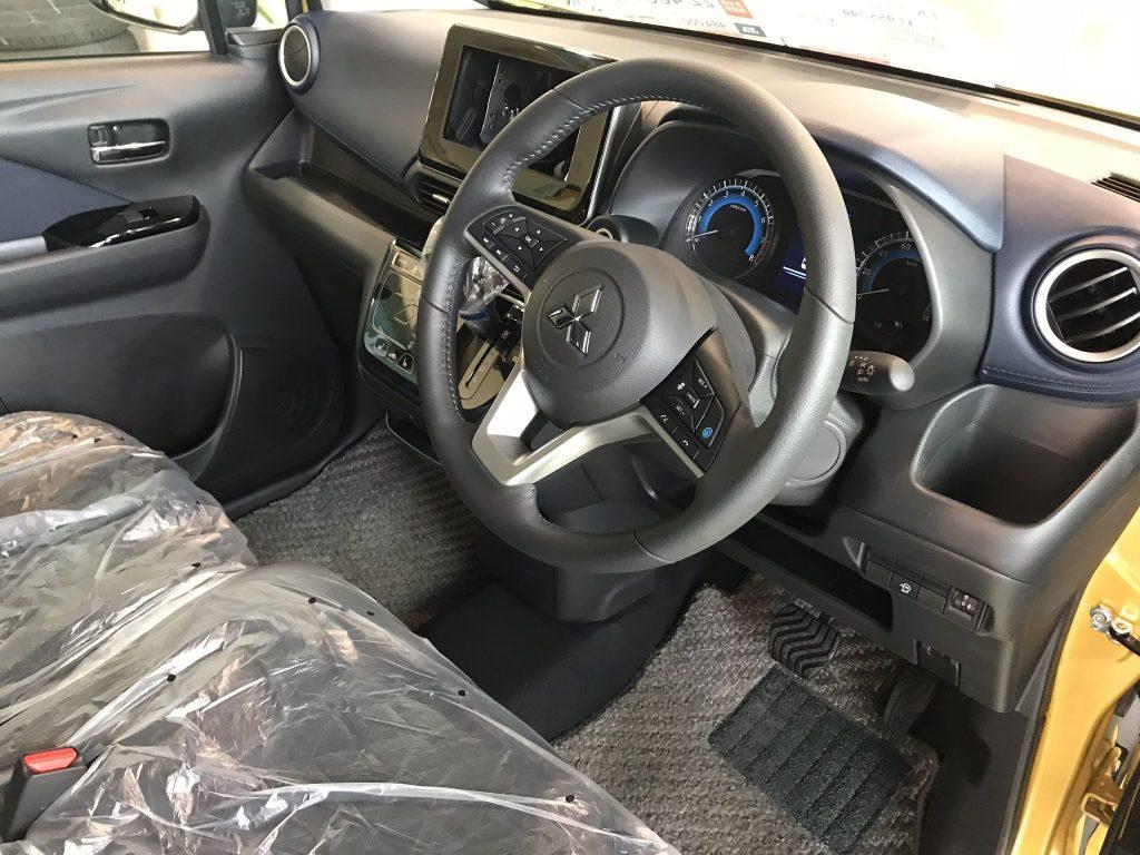 ekクロス・運転席