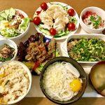 棒々鶏など品数豊富な夕飯